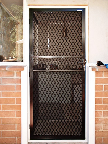 LONSDALE-STEEL-SECURITY-DOOR